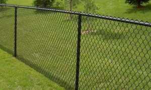 Высокий забор от соседей