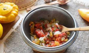 Патиссоны тушеные с овощами