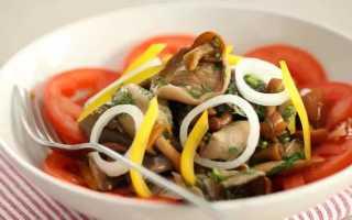 Слоеный салат с солеными грибами