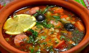 Как варить суп солянку